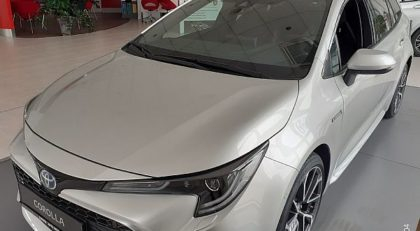 ToyotaCorollaTS Hybrid 2.0 VVT-i Executive 10 LET JAMSTVA