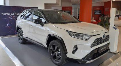 ToyotaRAV4Hybrid AWD 2.5 Style Avt.+10 LET JAMSTVA
