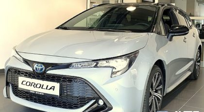ToyotaCorollaTS Hybrid 1.8 STYLE BiTONE Avt. +10 LET JAMSTVA