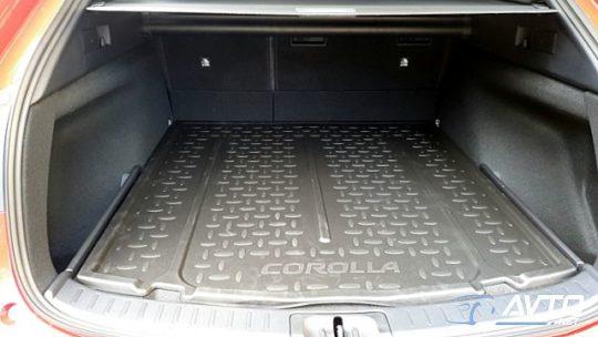 ToyotaCorollaTS Hybrid 1.8 VVT-i Trek Avt.